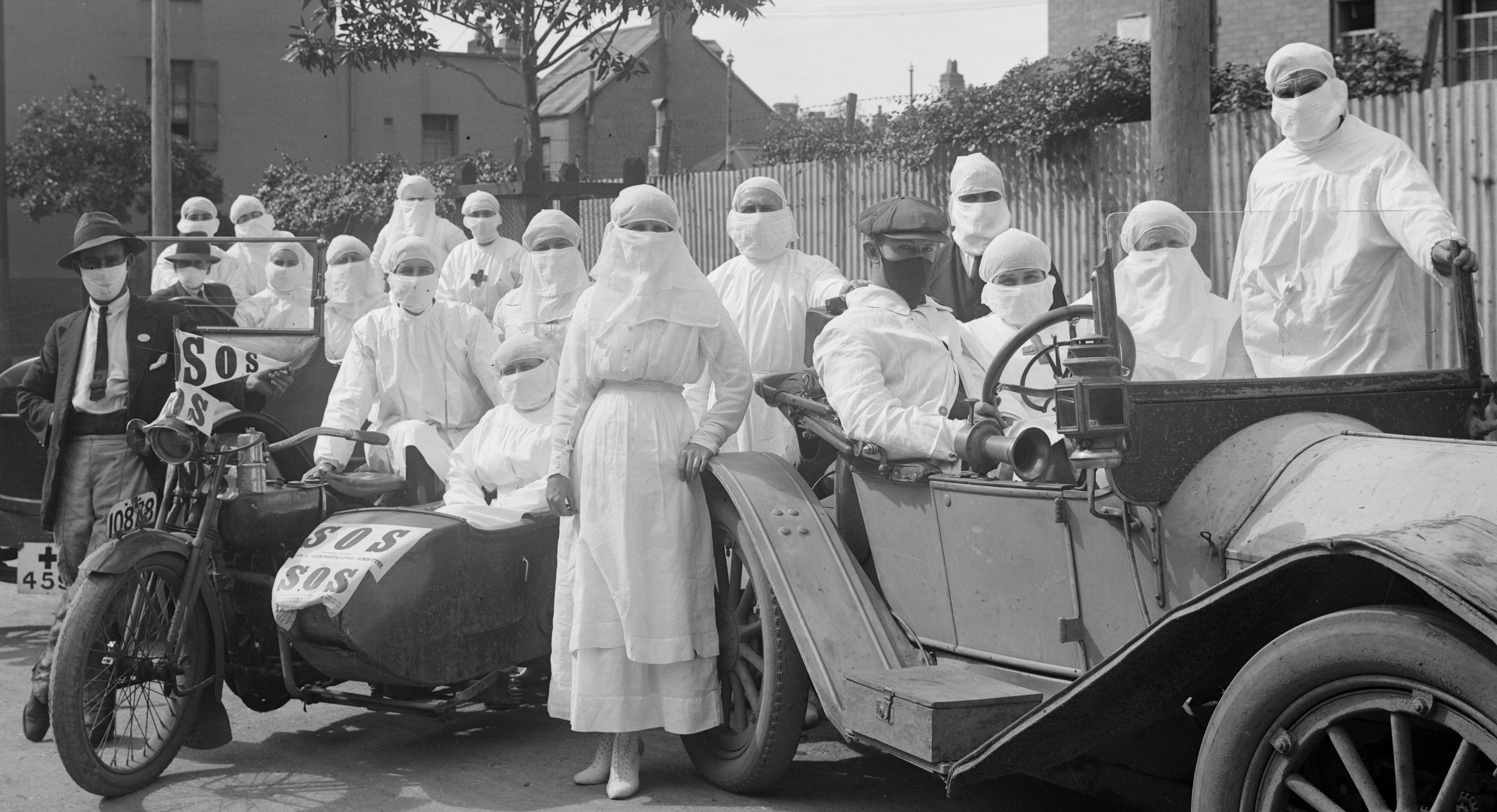 Medical depot staff, 1919 influenza pandemic. Source: NSW State Archives and Records